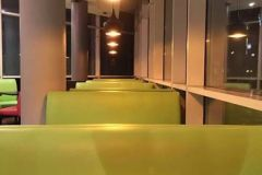 green-restaurant-decor